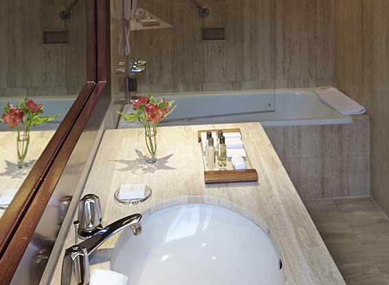 Libertador Arequipa Superior Bathroom