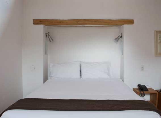 El Albergue Castia Bedroom