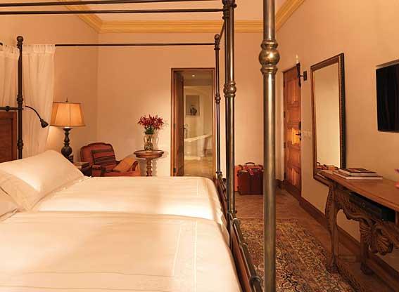 Belmond Palacio Nazarenas Junior Suite Bedroom