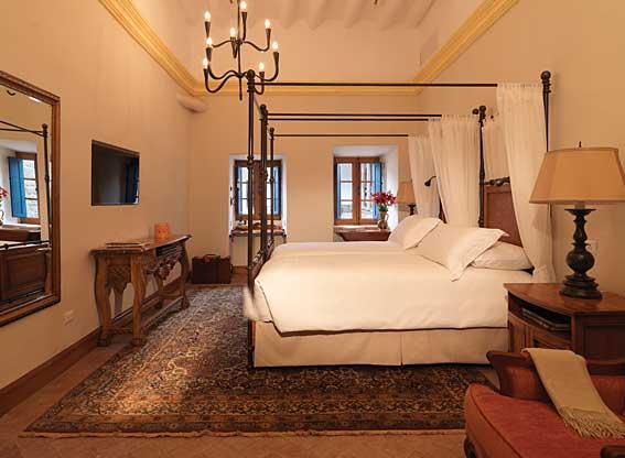 Belmond Palacio Nazarenas Junior Bedroom Suite
