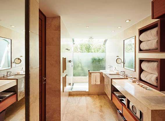 Junior Suite Bathroom at Rio Sagrado