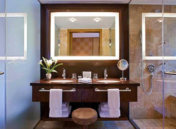 Bathroom at Tambo del Inka