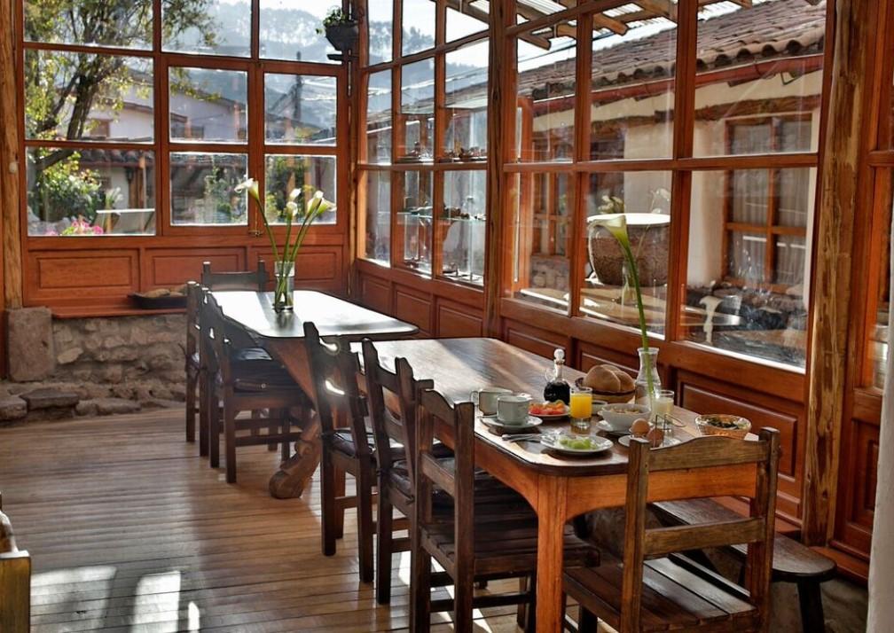 El Balcón Dining