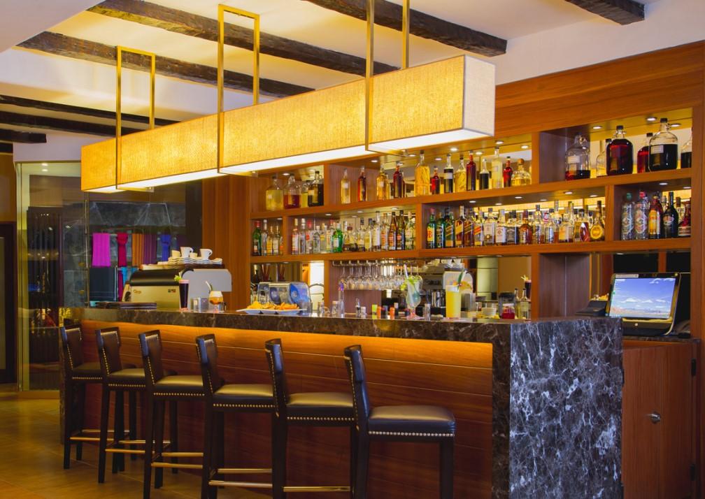 Samaq Hotel Bar
