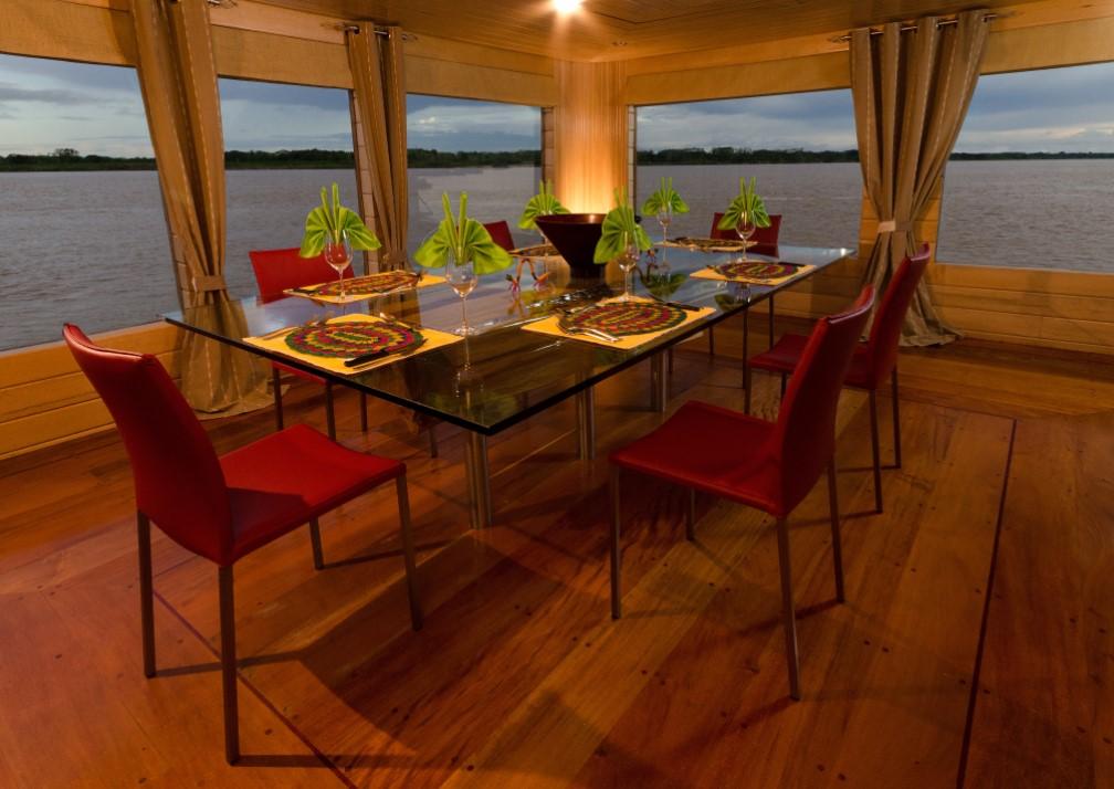 Delfin I Dining Room
