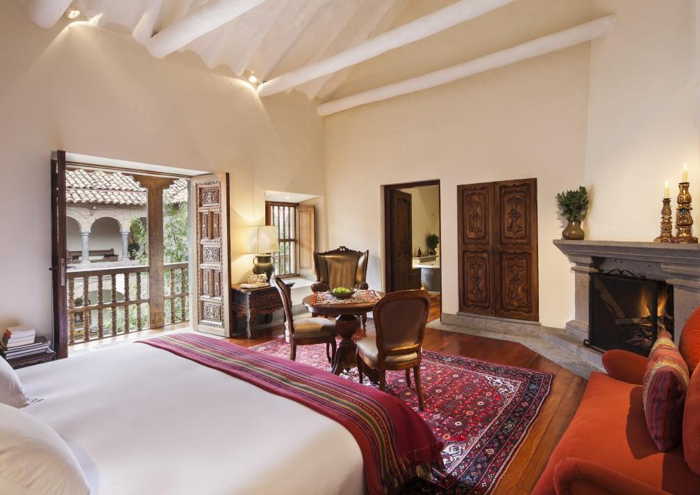 La Casona Balcony Bedroom