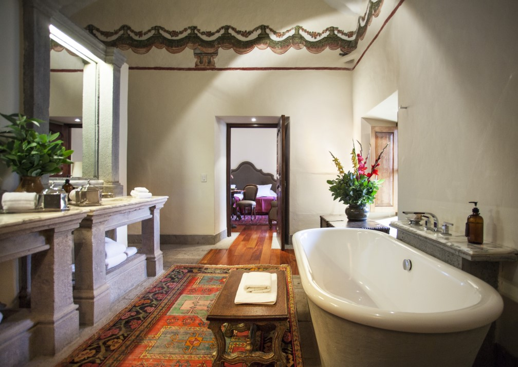 La Casona Bathroom