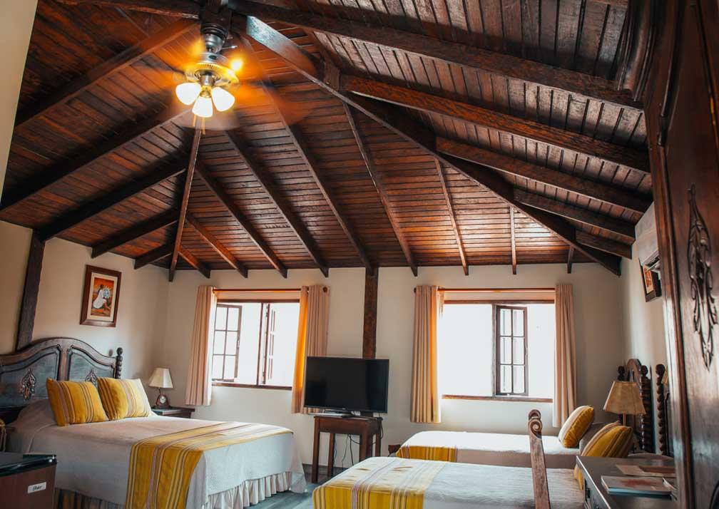 Antigua Miraflores room
