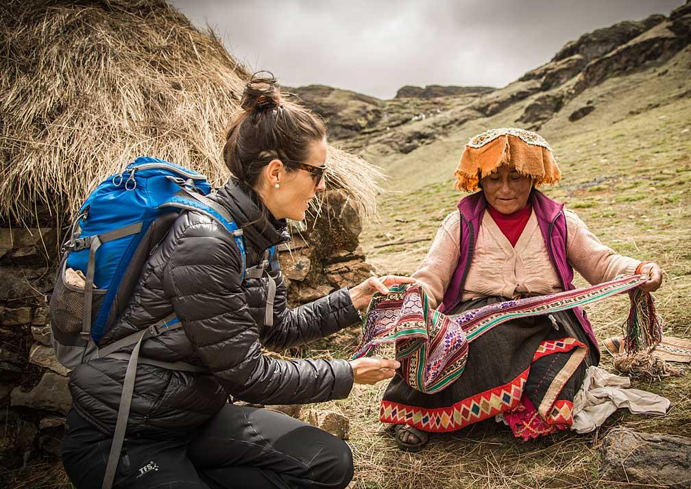 meeting locals Explora Valle Sagrado